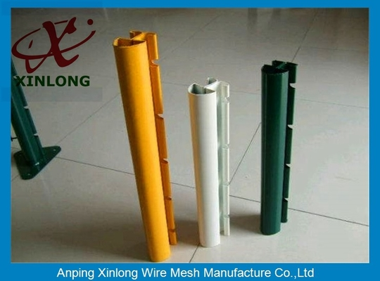 चीन Xinlong Fence Post Accessories Square Fence Posts Pvc Coating Anti Corrosion आपूर्तिकर्ता